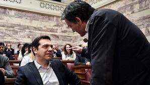 Grecia debate nuevos ajustes después de dos días de huelga