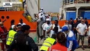 La Guardia Costera italiana rescata a más de 800 inmigrantes, la mayoría sirios