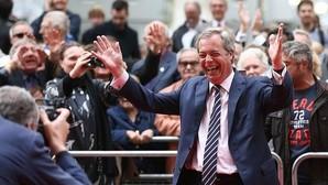 El eurófobo Farage pide una segunda consulta si los pro-UE ganan por poco
