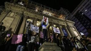 La violación colectiva a una joven consterna Brasil y expande la indignación