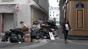 La basura y la suciedad toman París