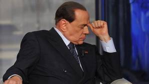 De las fiestas «bunga, bunga» al coqueteo con la mafia, la herencia que Berlusconi deja a los italianos