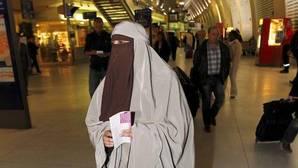 Bulgaria prohíbe el uso de velo islámico en público