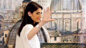 La populista Virginia Raggi, primera alcaldesa en la historia milenaria de Roma