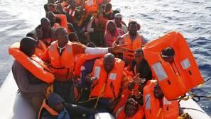 Italia rescata a 4.500 personas de las aguas del Mediterráneo
