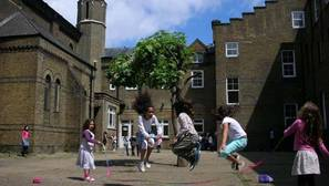 Ataque xenófobo contra un colegio español en Londres