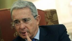 Álvaro Uribe: «Los españoles nunca habrían dado a ETA esta impunidad que Santos da a las FARC»