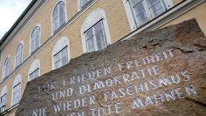 Austria adquirirá la casa en la que nació Hitler para derribarla y evitar que sea «lugar de culto» neonazi