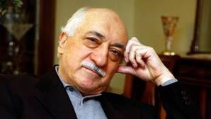 Gülen insinúa que Erdogan pudo orquestar el golpe de Estado en su contra