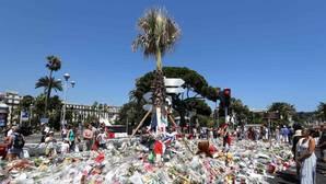Hollande no sabe qué hacer con el terrorismo