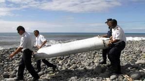 Nueva hipótesis sobre la desaparición del MH370: «Alguien pilotó el avión contra el agua»