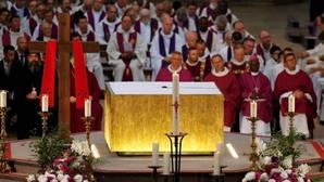 Multitudinario adiós al sacerdote de Normandía asesinado por dos terroristas de Daesh