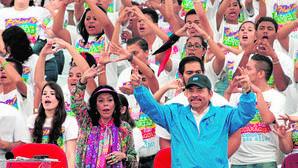 Daniel Ortega quiere instaurar una dinastía autoritaria junto a su mujer en Nicaragua