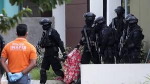 Indonesia detiene a seis presuntos yihadistas que planeaban atentar en Singapur