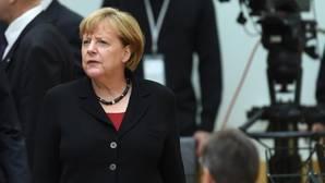 Merkel cae drásticamente en popularidad por su política de refugiados