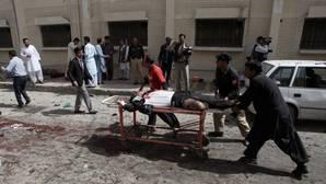 Al menos 70 muertos en un ataque bomba a un hospital en Pakistán