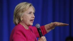 Clinton tendrá que responder por escrito ante el juez por el uso privado de su email
