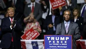 Nigel Farage muestra su apoyo a Donald Trump y participa en uno de sus actos de campaña
