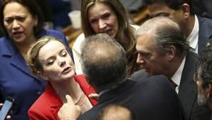 Tensión y golpes bajos en el segundo día de juicio a Rousseff