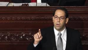 Túnez consigue formar gobierno con Yusef Chahed como primer ministro