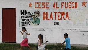 Colombia vive su primer día de paz tras 52 años de guerra
