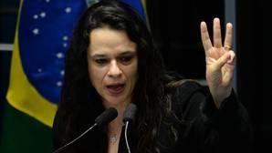 La fiscal Paschoal apela al «futuro de los nietos» de Dilma Rousseff para apartarla de la presidencia