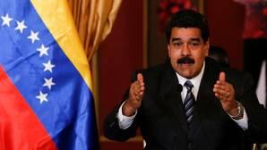 Venezuela condena un «golpe de estado» a Rousseff y retira a su embajador en Brasil