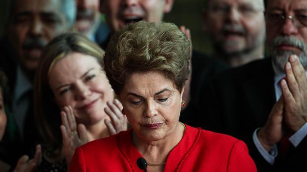 La expresienta de Brasil, Dilma Rousseff, ha calificado el 'impeachment' como «golpe de Estado»