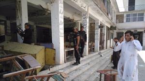 Dos atentados en Pakistán contra la minoría cristiana y el colectivo de abogados