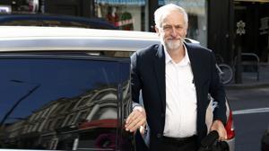 Críticas a Corbyn por cobrar de una TV iraní de Reino Unido