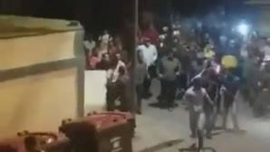 Cacerolada a Nicolás Maduro, que se encara con los manifestantes