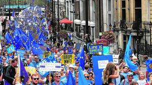 Varias ciudades británicas celebran manifestaciones contra el Brexit