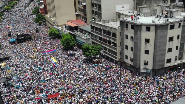 Parte de una de las manifestaciones de la MUD durante la «Toma de Caracas»