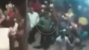 Acusan a Nicolás Maduro de «maltratar» a un ama de casa que protestaba con una olla