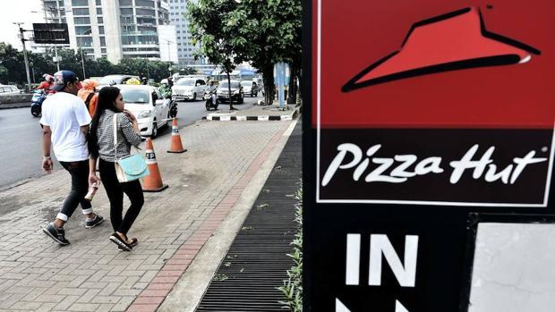 Un restaurante Pizza Hut en Yakarta