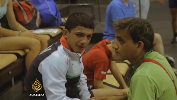 Las lágrimas de un luchador iraní obligado a fingir una lesión para no enfrentarse a un israelí