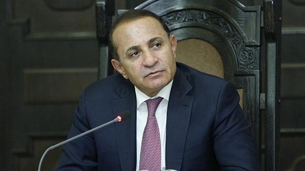 El primer ministro armenio, Ovik Abraamián, ha dimitido tras la ola de violencia que se ha desatado en su país