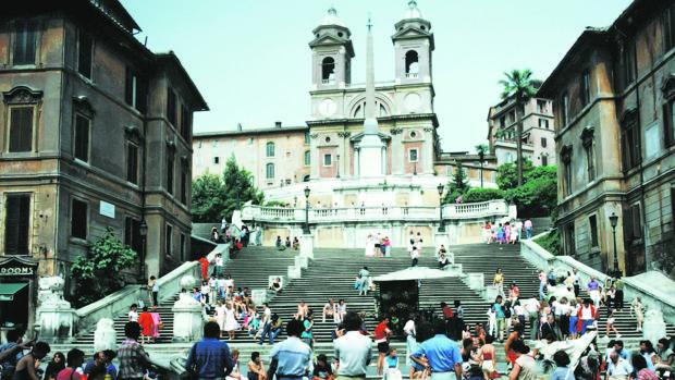 La escalinata de la plaza de España de Roma, en una imagen anterior a su restauración