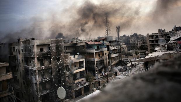 Imagen de archivo de los destrozos ocasionados por un bombardeo en la ciudad de Alepo