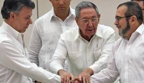 Pastrana pide a Santos en una carta un encuentro con Timochenko