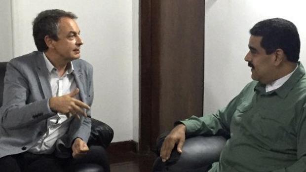 Imagen de la reunión entre el expresidente Zapatero y el mandatario de Venezuela, Nicolás Maduro