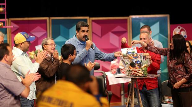 Nicolás Maduro, durante una reunión, el pasado fin de semana en el Palacio de Miraflores, de los polémicos CLAP o sistema de distribución de alimentos