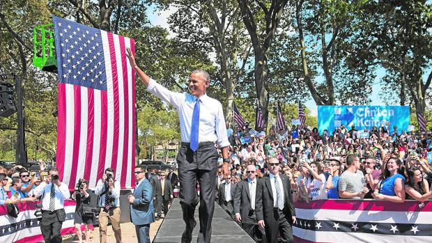Obma, en Filadelfia durante un mitin en apoyo de Clinton