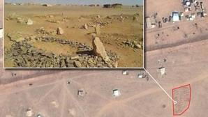 Al menos 75.000 refugiados viven atrapados en el desierto jordano entre tumbas improvisadas