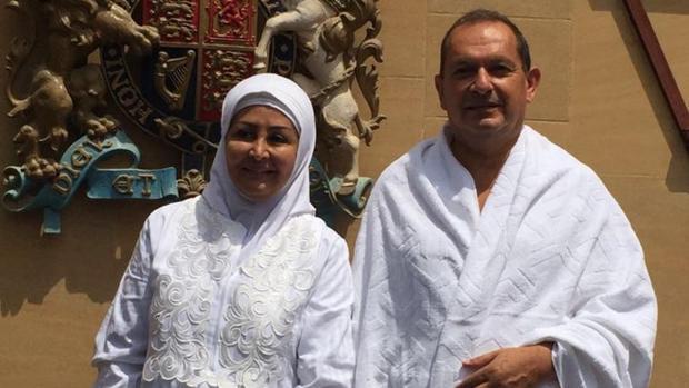 El embajador británico en Riad anuncia en Twitter su conversión al islam