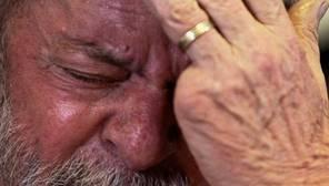 Lula afirma, entre lágrimas, que los fiscales tendrán que pedirle perdón por perseguirlo