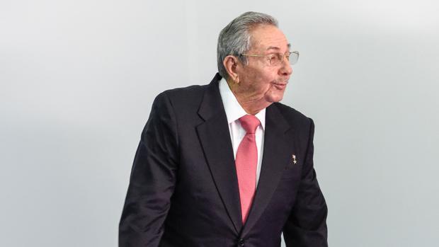 Raúl Castro, a su llegada hoy a la cumbre del Movimiento de Países No Alineados (MNOAL)
