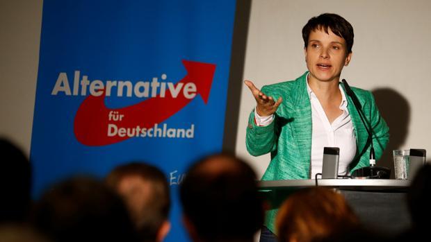 Frauke Petry, líder del partido AfD, durante una reunión en Berlín este viernes