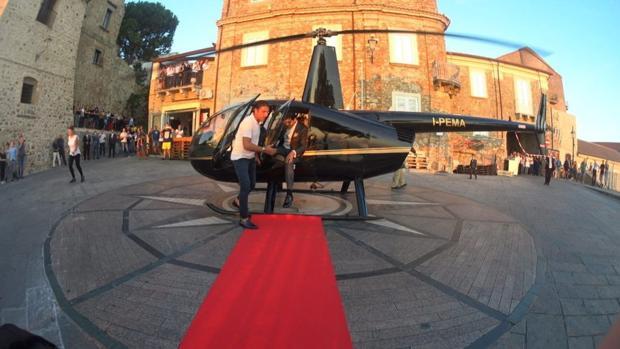 Al altar en helicóptero sin permiso de aterrizaje