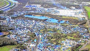 «La Jungla» de Calais: un pudridero político, social y humanitario